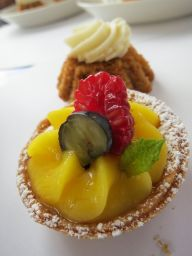 Day 5. Petit fruit tart & carrot cake